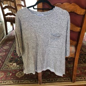 Grey front pocket thick ¾ sleeve top